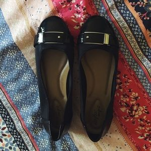 Women's black slip on comfortable dress shoes